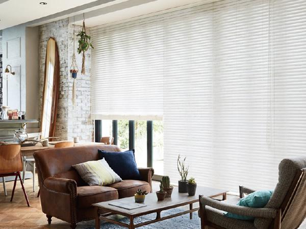 白いブラインド 木製・ウッドブラインド 西海岸スタイル インテリアスタイル