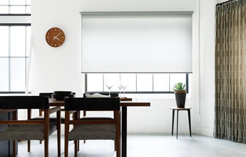 窓周り製品 ウィンドウトリートメント 特徴 ロールスクリーン 機能性が高い