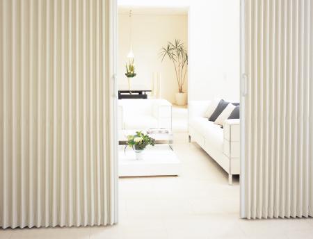 アコーデオンカーテン タチカワブラインド 家庭用簡易間仕切り シンプル操作 バリアフリー製品 冷暖房効率アップ